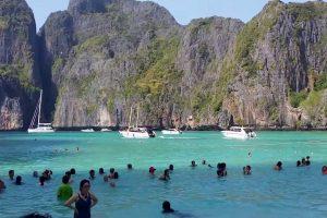 MAYA BAY THAILAND YANG DIPOPULERKAN OLEH 'THE BEACH'