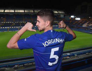 Gabung Chelsea, Jorginho Girang Menggunakan Nomor Punggung 5