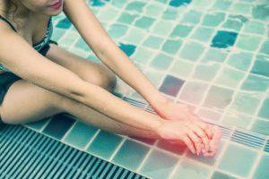 Penyebab dan Cara Atasi Kram Kaki Saat Berenang