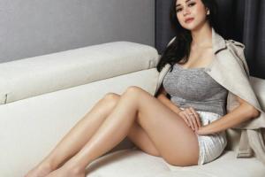 4 Selebriti Indonesia yang memiliki Payudara Seksi